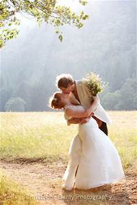 professional wedding photographer vs amateur with a With amateur wedding photographer