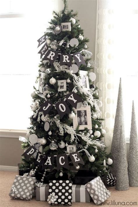 20 christmas trees in interiors messagenote