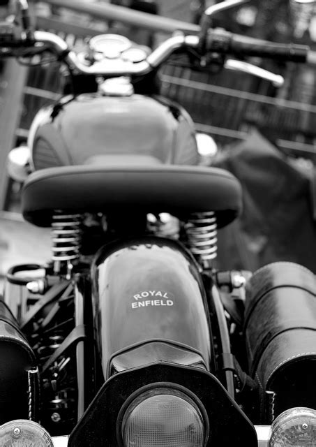 Download Royal Enfield Classic 350 Black Wallpaper Gallery