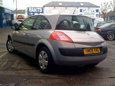 renault megane 2005 hatchback 2011 renault megane 2005 hatchback features reviews and