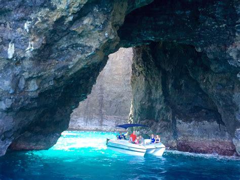 Napali Coast Boat Tours Winter na pali sea cave boat tours na pali experience