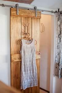 Begehbarer Kleiderschrank Türen : 1000 ideen zu kleiderschrank massivholz auf pinterest kleiderleiter schlafzimmer massivholz ~ Sanjose-hotels-ca.com Haus und Dekorationen