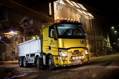 tarmac haulier opts  renault tipper
