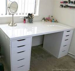 bureau maquillage 7 ikea inspired diy makeup storage ideas