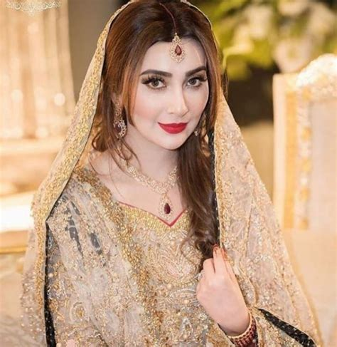 gorgeous ayesha khan   walima ceremony