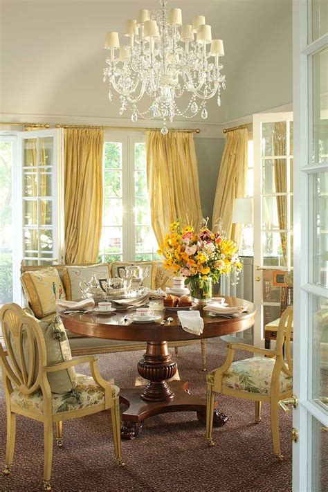 Popular Dining Room Chandeliers by 23 Traditional Dining Room Design Ideas Interior God