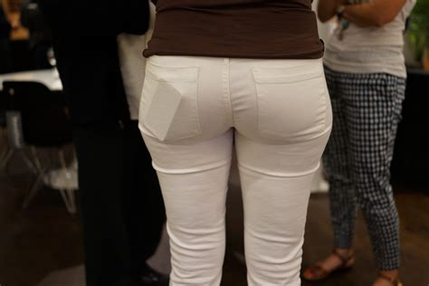 Stock Tight White Pants Cell Phone Back Pocket Fashion