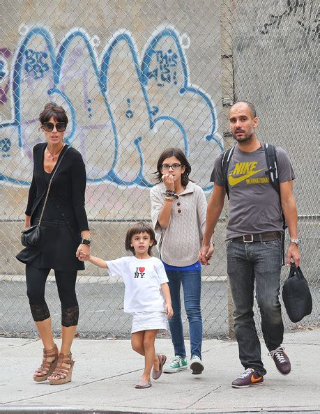 Последние твиты от pepteam (@pepteam). Pep Guardiola - Pep Guardiola Photos - Pep Guardiola Walk with His Family in SoHo - Zimbio