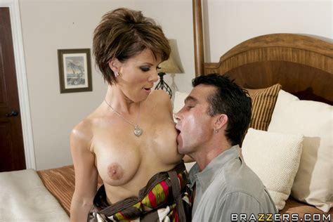 Beauteous Milf With Nice Natural Boobs Kayla Synz Fucking