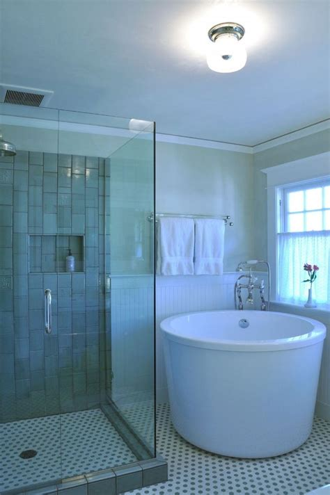 Best Small Bathrooms by 25 Best Small Bathroom Ideas On Tiles