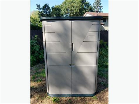 rubbermaid shed 52 cu ft excellent condition
