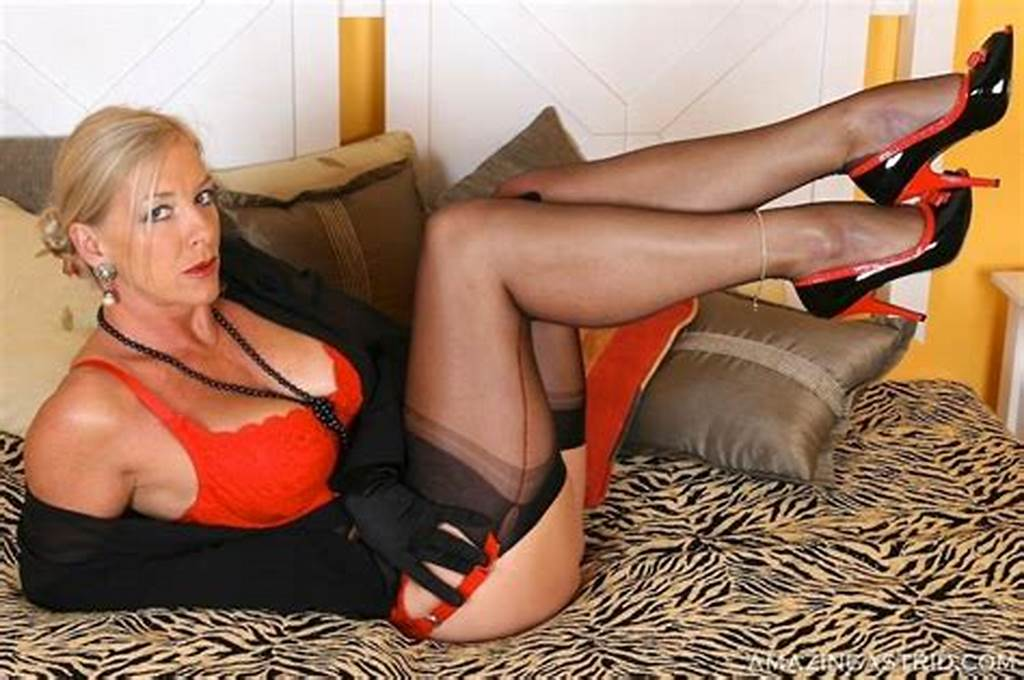 #Leggy #Blonde #Mature #Lady #Astrid #In #Sexy #Stockings #Teasing