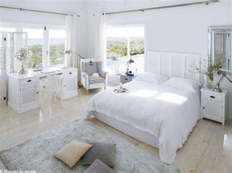 chambre blanche et bois décoration chambre blanche