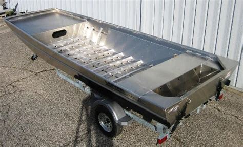 Boat Sales Evansville Indiana by Lowe Roughneck Boats For Sale In Evansville Indiana