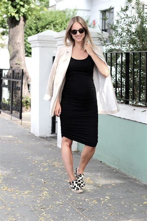 Outfits for Pregnant Women-15 Best Maternity Outfit Ideas