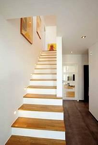 Treppe Im Wohnzimmer : die 25 besten ideen zu treppe auf pinterest moderne ~ Lizthompson.info Haus und Dekorationen