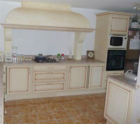 cuisine am駭ag馥 sur mesure cuisine rustique sur mesure 5 meubles gibaud