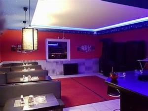 Bar Mit Tanzfläche Berlin : gem tliche bar mit tanzfl che in hamburg mieten ~ Markanthonyermac.com Haus und Dekorationen