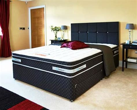 Black Leather Headboard Bed by Modern Bed Headboard Ideas Bringing Chic Hotel Style Into