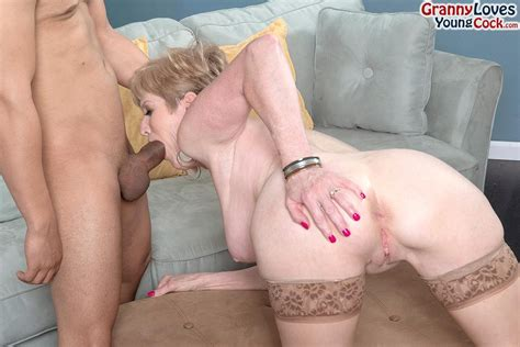 Mature Slut Sindee Dix Takes On A Young Guys Dick 1 Of 2