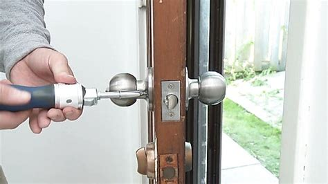 changer serrure porte chambre comment changer une serrure de porte l 39 artisanat et l