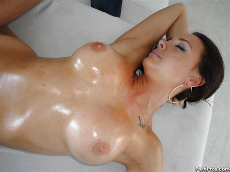 Jennifer Getting An Massage Creamed Stepmom Chanel Preston Knew Feet Massaged And Then Cream On