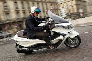 Piaggio X10 350 : 2012 piaggio x10 350i review first ride news ~ Medecine-chirurgie-esthetiques.com Avis de Voitures