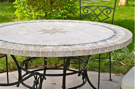 Grande Table ronde en mosaïque MEXIXO de marbre pour