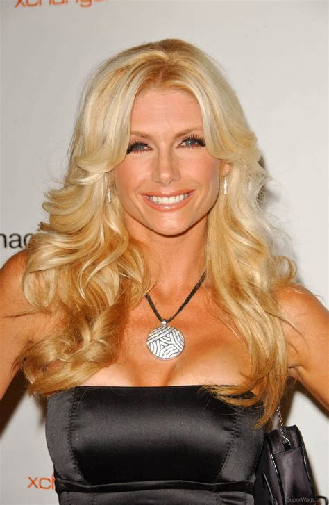 brande roderick beautiful silver pendent super wags