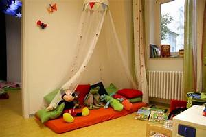 Kuschelecke kinderzimmer kleinkinder for Kuschelecke für kleinkinder