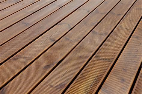 einfache unterkonstruktion holzterrasse terrasse unterkonstruktion fachgerechte anleitung f 252 r den selbstbau