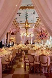 Rose Gold Decor : 42 glamorous rose gold wedding decor ideas helana 39 s wedding color schemes pinterest ~ Teatrodelosmanantiales.com Idées de Décoration