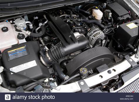 2006 Gmc Envoy Xl Denali In Silver Engine Stock Photo