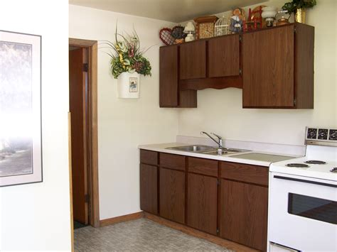 cheap motels with kitchens janesville wisconsin hotel value winner 51 kitchenette