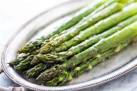 asparagus roasted recipe garlic easy lemon salt spears juice oil pepper olive recipes simplyrecipes thick quick