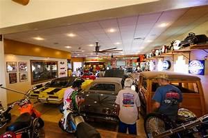 Garage Auto Tours : garage tour wows car enthusiasts river scene magazine ~ Gottalentnigeria.com Avis de Voitures