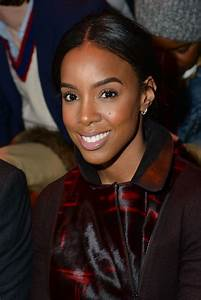 Kelly Rowland - Akris Fashion Show in Paris - Autumn ...
