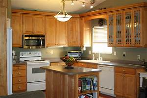 Light Brown Wooden Maple Kitchen Cabinets With Ling Light