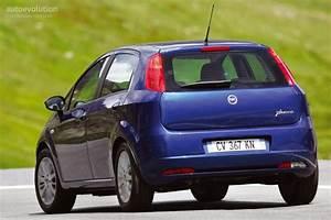 Fiat Grand Punto : fiat grande punto 5 doors specs photos 2005 2006 2007 2008 2009 autoevolution ~ Medecine-chirurgie-esthetiques.com Avis de Voitures