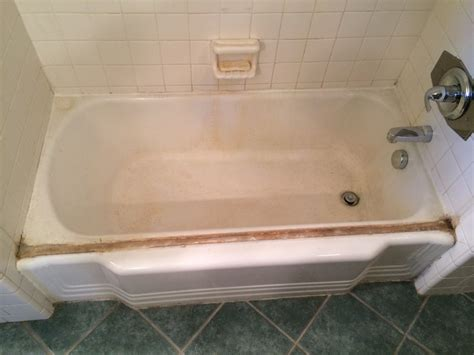 Reglaze And Refinish Bathtubs
