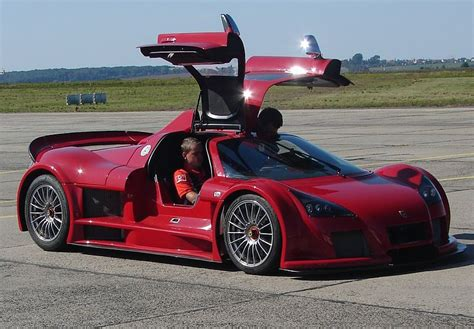 Gumpert Apollo Leipzig-altenburg Airport.jpg