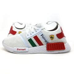 The adidas nmd has created a completely new technical standard among sneakers with the innovative boost midsoles. TÊNIS ADIDAS NMD FERRARI
