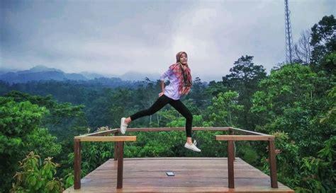 kuning park sleman wisata edukasi  spot selfie