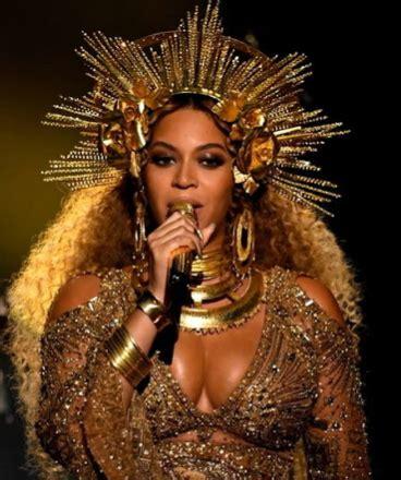 Beyonce's Egyptian Inspired Golden Grammys 2017 Dress ...