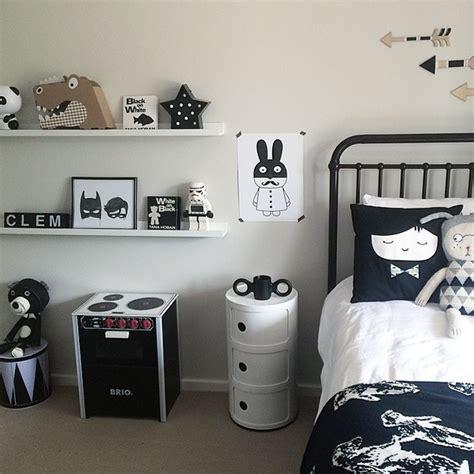 deco chambre noir et blanc chambre enfant et blanche