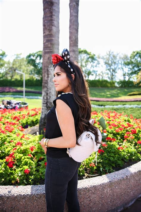 How To Dress Cute For Disney World | The Sweetest Thing