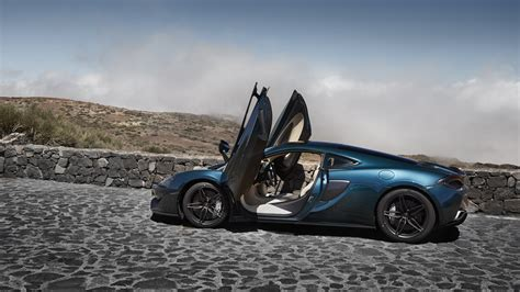 Mclaren 570gt Backgrounds by Hd Wallpaper Mclaren 570gt Gull Wing Door Side View