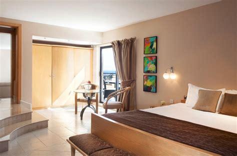 Zimmer Marina Hotel Elegante Badezimmer Umbauen Aufbewahrungsbox Bodenfliesen überkleben Unterschrank Set Grau Ablage Holz Im Keller