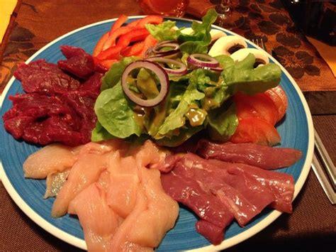 cuisine pierrade assiette de la pierrade aux 3 viandes picture of la