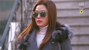 Cheon Song Yi's Droolworthy Wardrobe Breakdown